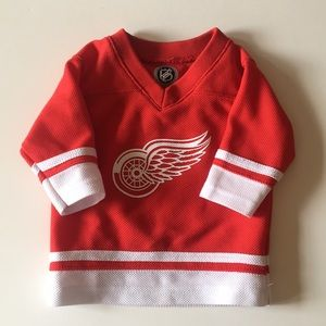 Baby's Detroit Red Wings Jersey